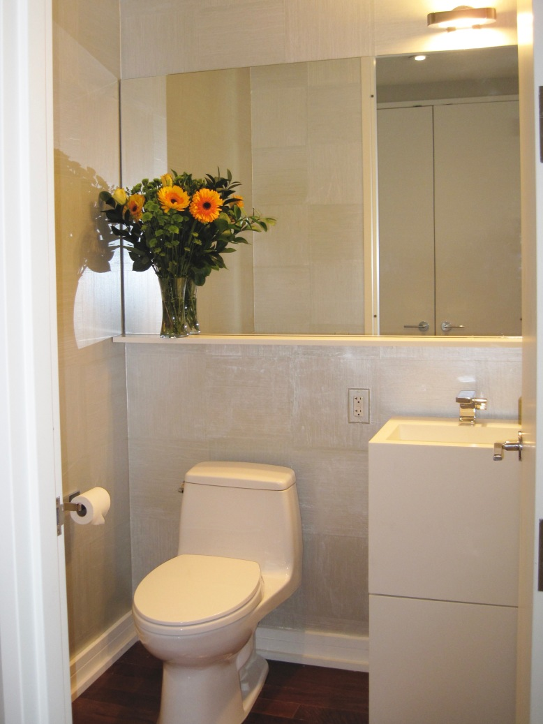 NYC-Apartment-Powder-Room