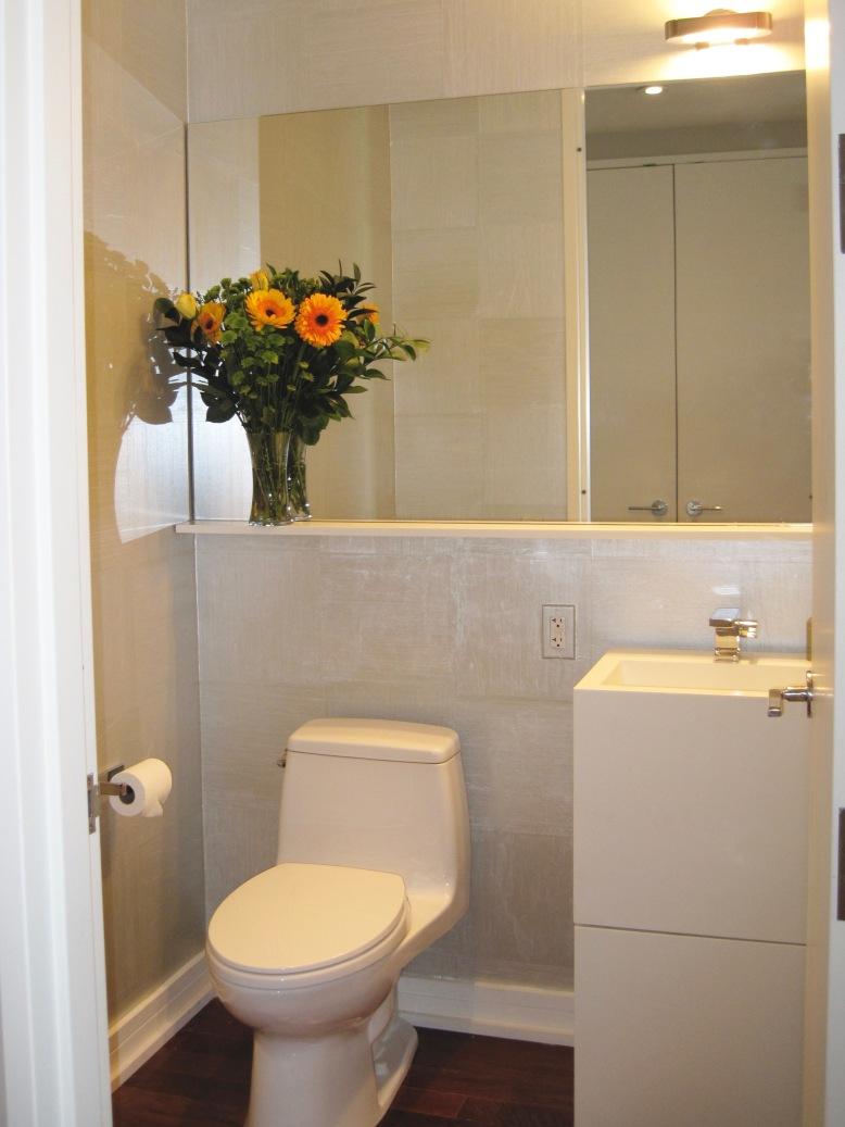 NYC-Apartment-Powder-Room