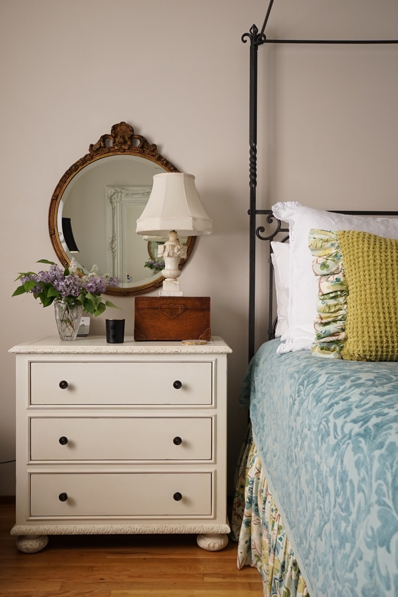 AFTER-day-decorating-bedside