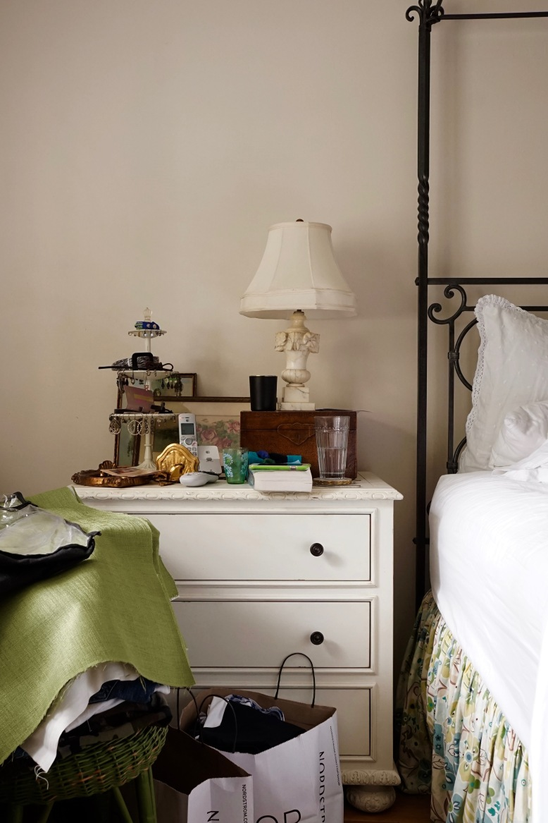 BEFORE-one-day-decorating-bedside