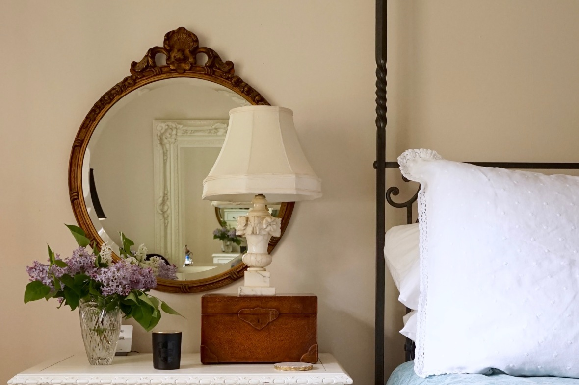 One-day-decor-bedside