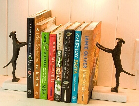 Dog-bookends-Photo-by-Nina-Russo-for-theroomstylist.com